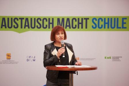 http://www.tandem-org.de/assets/images/Tandem_News/2015/austausch-macht-schule-057gro%C3%9F.jpg