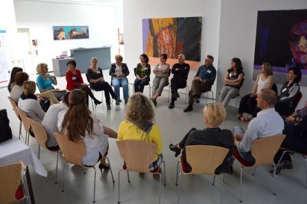 In diversen Workshops konnten die Teilnehmer/-innen im Verlauf des Fachforums ihre methodischen Kompetenzen für die deutsch-tschechische Jugendarbeit erweitern.