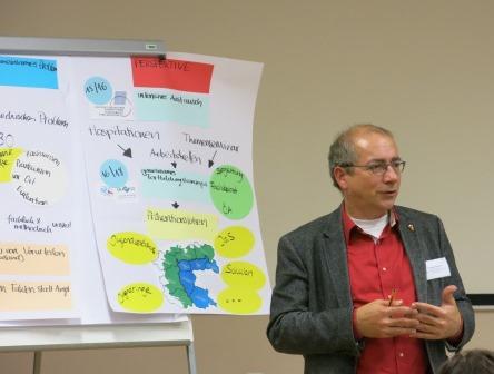 Thomas Rudner, Leiter Tandem Regensburg bei der Präsentation des Tandem Programms