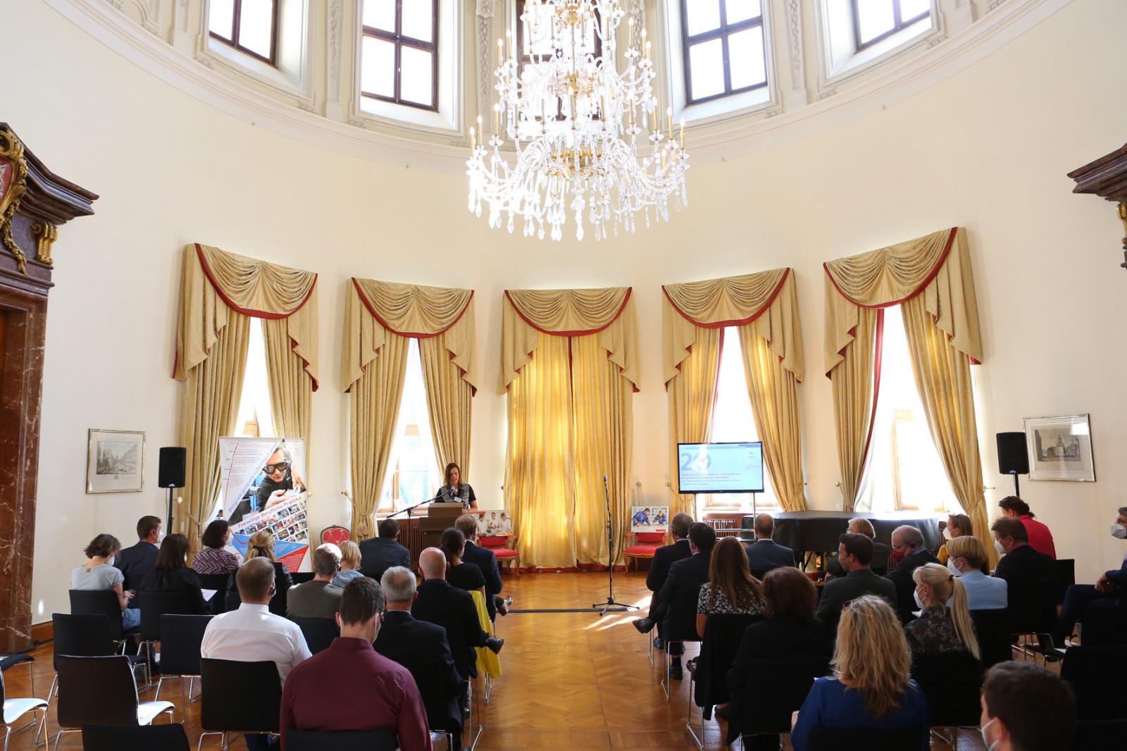 Kuppelsaal der Deutschen Botschaft